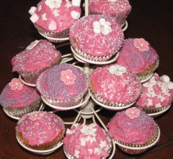 Kids Birthday Party Cupcakes by PamperU